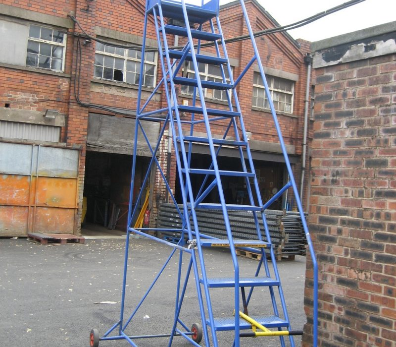 Wide range of new and used mobile steps, from heavy duty isle steps to light weight picking steps